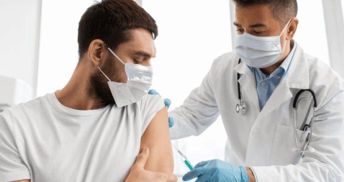 Riesgos de no aplicarse la segunda dosis contra la COVID-19