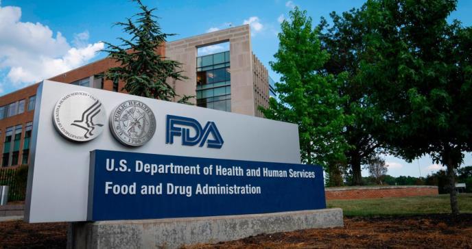 FDA y los CDC solicitan mayor evidencia científica para aprobar tercera dosis de Pfizer