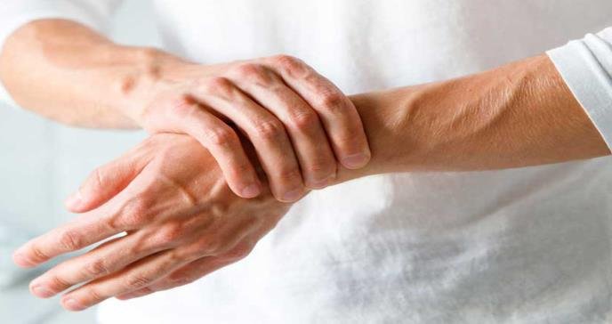 Al menos 20% de pacientes con COVID-19 sufren dolores articulares y musculares