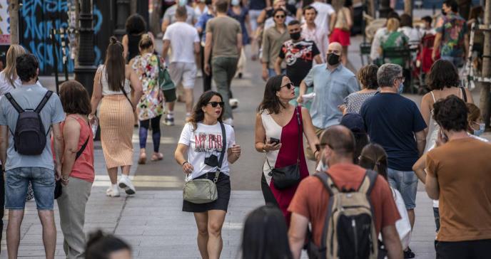 LA CRISIS DEL CORONAVIRUS : El primer día sin mascarilla en exteriores en España