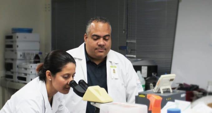 Vacunados con Johnson & Johnson podrían necesitar dosis extra de Pfizer