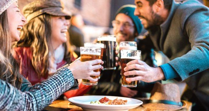 ¿Por qué nos da hambre cuando bebemos alcohol?