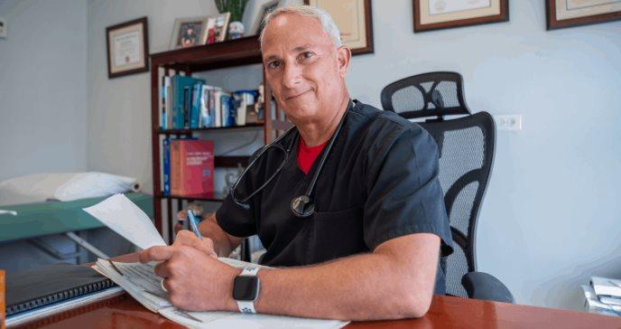 Dr. Bermúdez y la importancia de los sentimientos en la práctica de la medicina