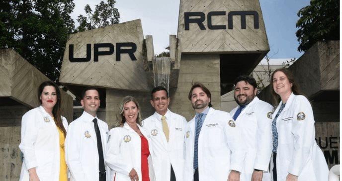 Residentes del programa de cirugía obtienen una tasa de aprobación del 100% en el Board