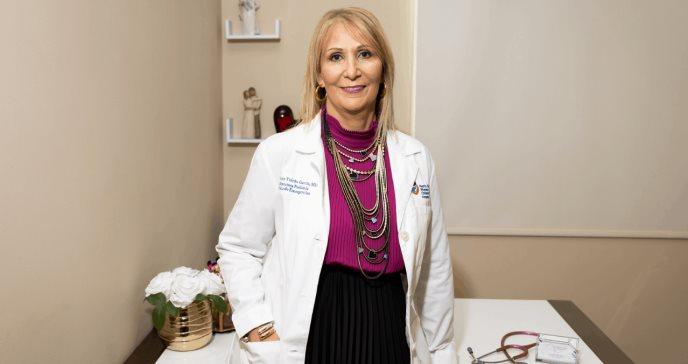 Su pasión por los niños la llevó a convertirse en la primera doctora en pediatría de su familia