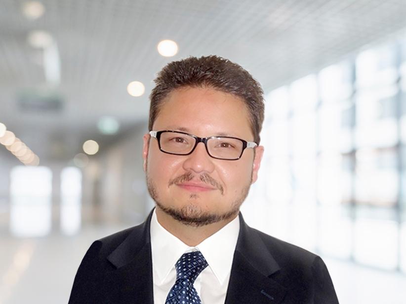 Dr. Armando L. Oliver Oftalmólogo, catedrático del departamento de oftalmología del Recinto de Ciencias Medicas.
